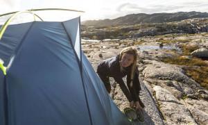 Wyjazdy pod namiot- jakie akcesoria zabrać?
