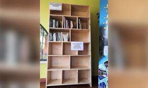 Płynna wymiana książek w gołdapskiej pływalni