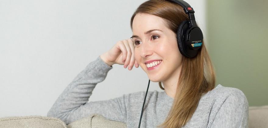 Jak wybrać słuchawki bezprzewodowe?